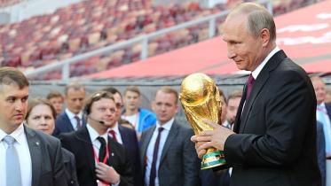بوتين يرشح 4 منتخبات للفوز بكأس العالم