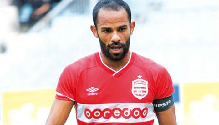 صابر خليفة يرفض أموال الأندية الخليجية ويمدد عقده مع الإفريقي